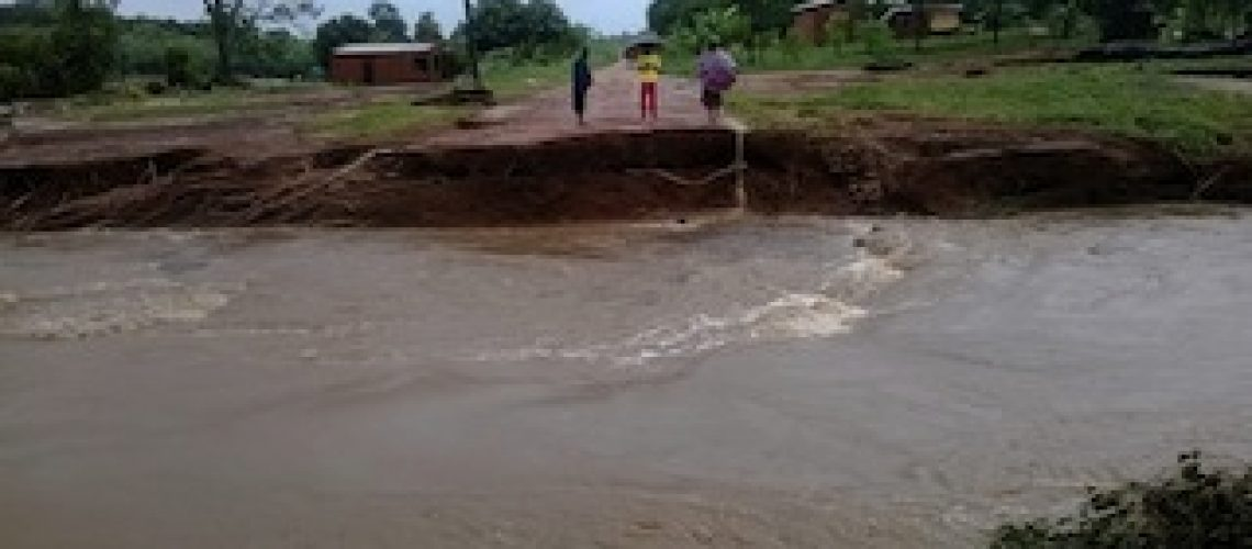 Cheias em Moçambique: ultrapassam uma centena as vítimas mortais; distrito de Namarrói