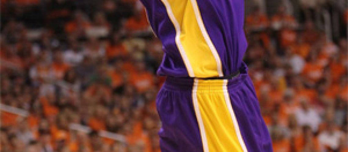 Lakers são tricampeões do Oeste e fazem final da NBA com os Celtics