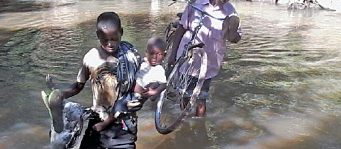 Mirossi: O rio que isola a escola de Nossaga