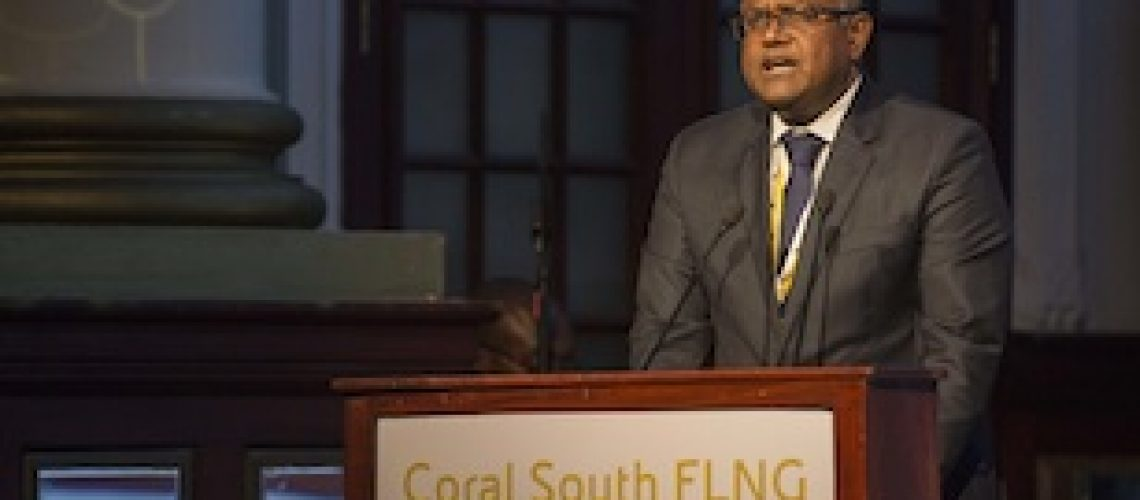 Moçambique não conseguiu 800 milhões de dólares para FLNG de Coral Sul e endividou-se com ENI