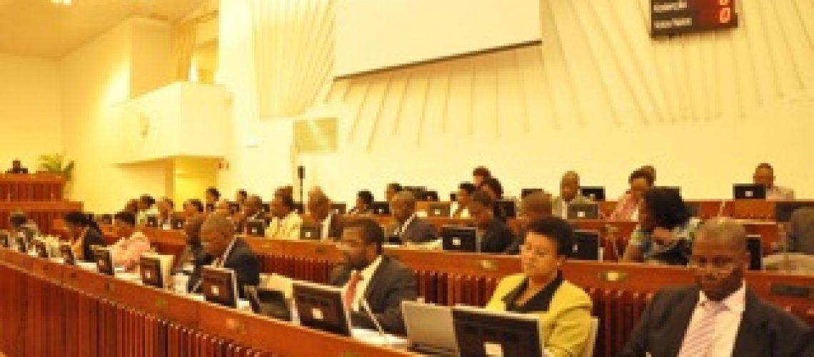 As incompatibilidade e conflitos de interesse de Mulémbwé