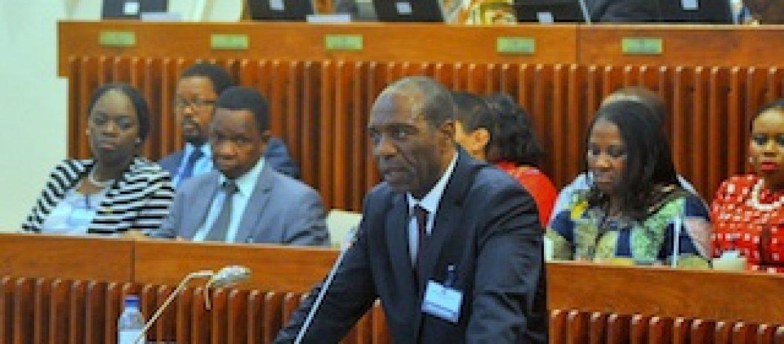 Primeiro-ministro mente no Parlamento sobre dívidas ocultas inscritas na CGE 2015 com anuências da Frelimo