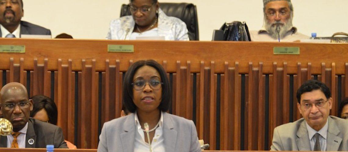 Beatriz Buchili continua Procuradora-Geral da República de Moçambique mas troca de vice