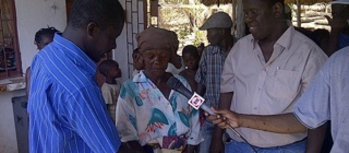 Diário da campanha eleitoral: Araújo esteve esteve na manhã do 11º dia no bairro de Coalane
