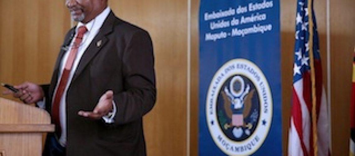 Em vez de apoiar camponeses EUA destina milhões de dólares para consultorias e estudos em Moçambique