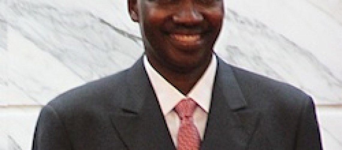 """""""Restaurar e recuperar a nossa credibilidade"""" assume como desafio o novo Governador do Banco de Moçambique"""