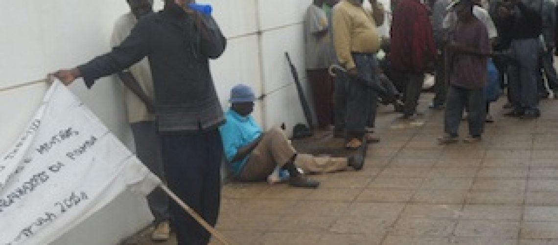 Trabalhadores da ex-ROMON protestam contra o não pagamento de indeminização há 20 anos em Nampula