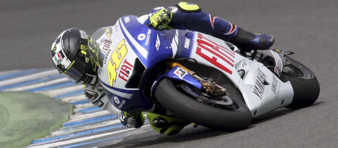 Rossi vence na República Tcheca e amplia vantagem como líder