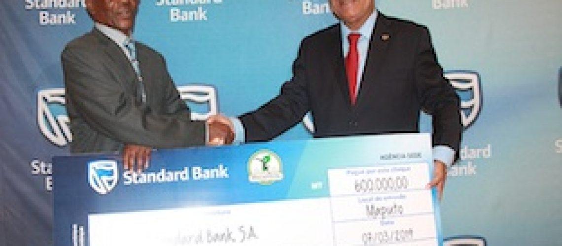 Campeões do Moçambola premiados pelo Standard Bank