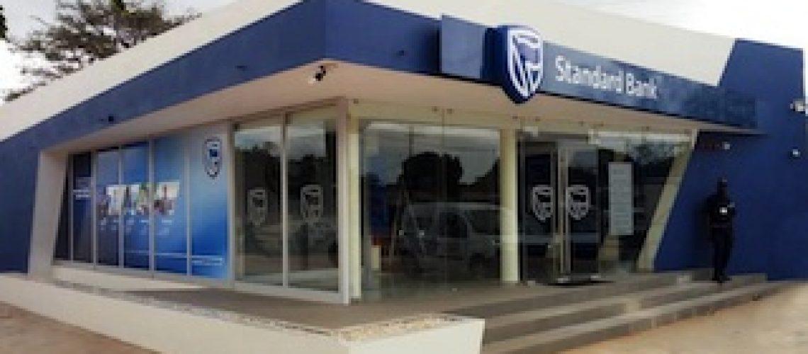 Com a inauguração de um novo balcão em Mangungumete: Standard Bank apoia inclusão financeira da população na província de Inhambane