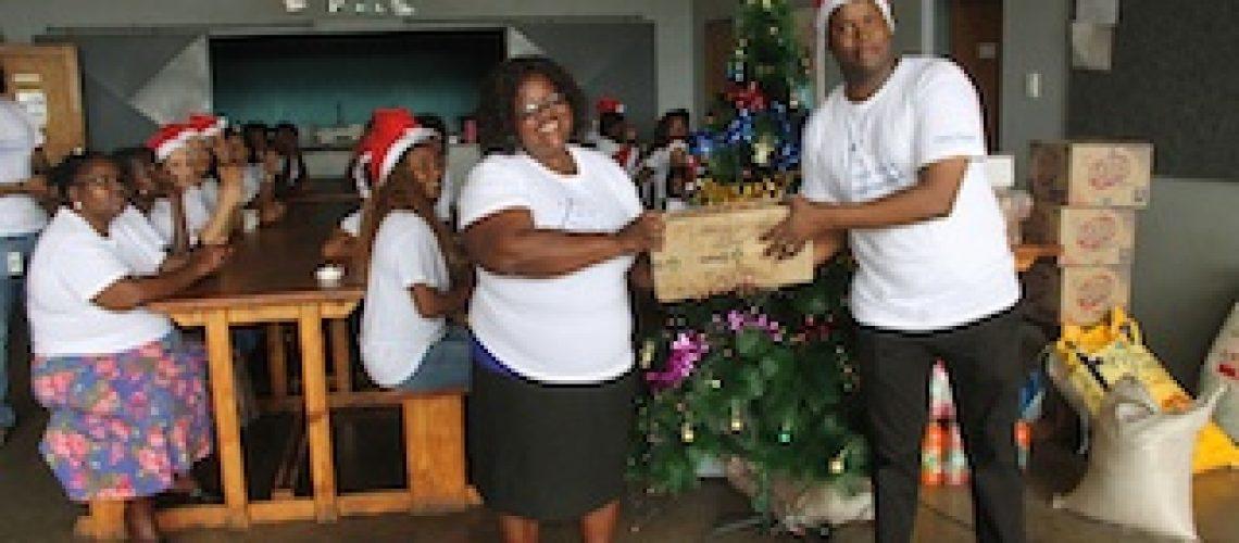 Standard Bank proporciona Natal Solidário a crianças carenciadas