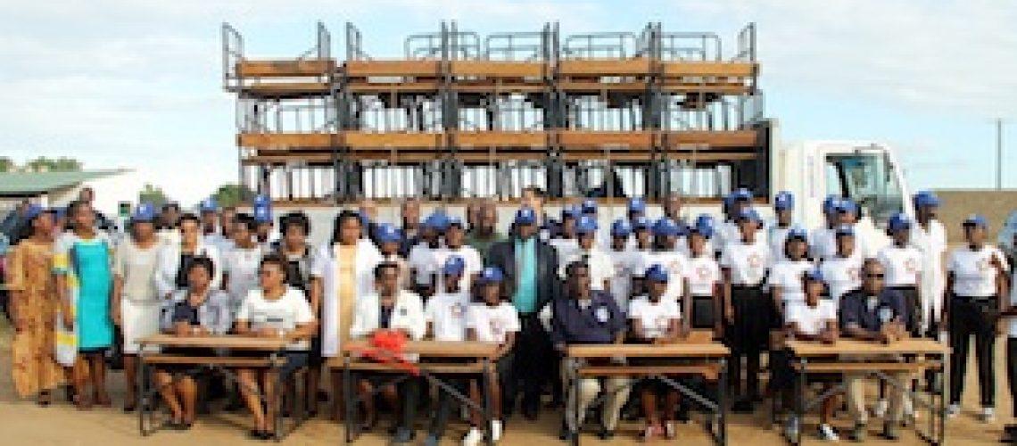 Standard Bank tira mais de 5.000 alunos do chão