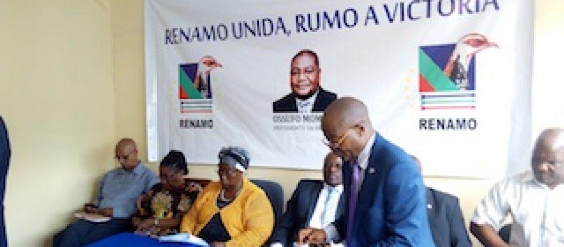 """Secretário-geral da Renamo exonerado sem substituição e """"todo"""" o organograma do partido foi mexido"""