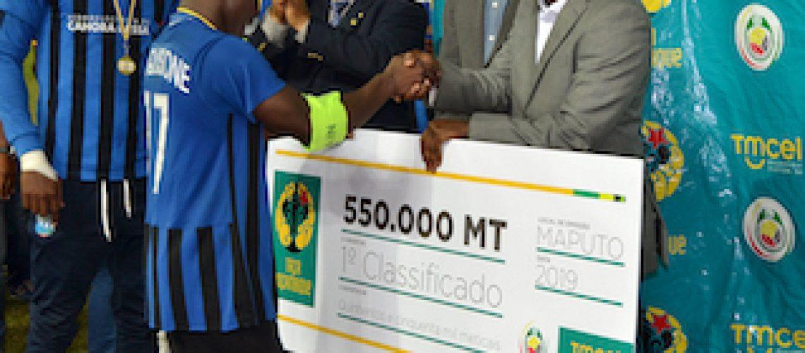 Taça Moçambique Tmcel: Vencedores recebem 900 mil meticais de prémio