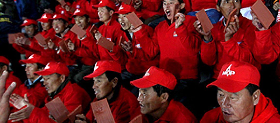 Norte-coreanos assistem Mundial  com um dia de atraso