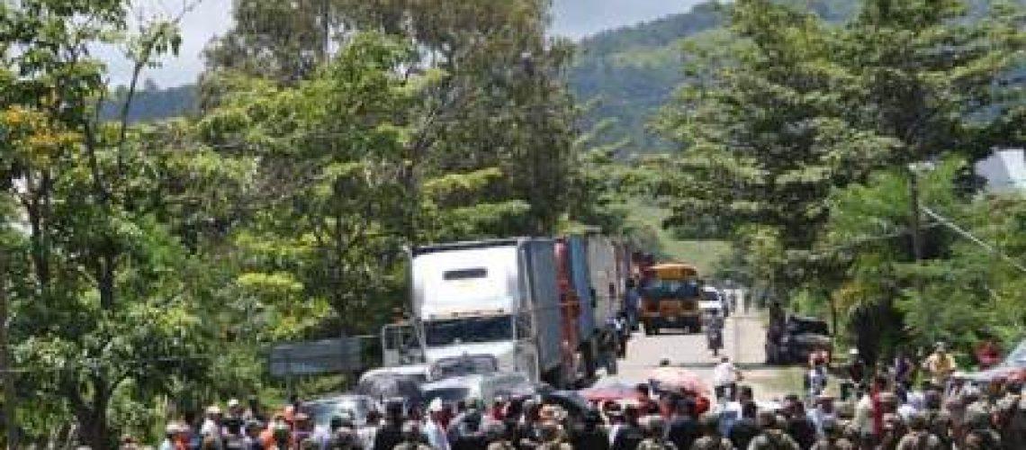Golpe em Honduras completa um mês sem qualquer solução